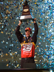 Kevin VanDam won his third Bassmaster Classic today with 46 pounds, 6 ounces.
