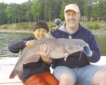 Drifting cut baits on a Carolina rig or Santee rig is the preferred method for catching Kerr Reservoir�s blue catfish.