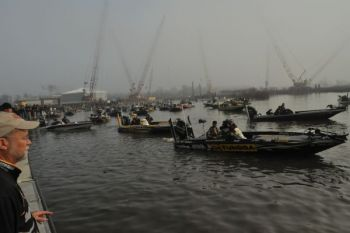 The second fog delay in as many days has been lifted, and the 2011 Bassmaster Classic field is set to leave the docks at 9:45 a.m.