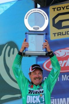 Shaw Grigsby sight-fished his way to his first win in 10 years during the 2011 Bassmaster Elite Series opener this weekend.