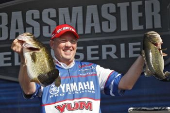 Texas' Alton Jones didn't give up any ground on the second day of the Bassmaster Elite Series stop on Florida's St. Johns River, extending his lead.