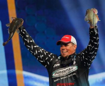 A change in scenery resulted in Chris Lane taking the No. 1 spot in the second day of the 2012 Bassmaster Classic being held on Louisiana's Red River.