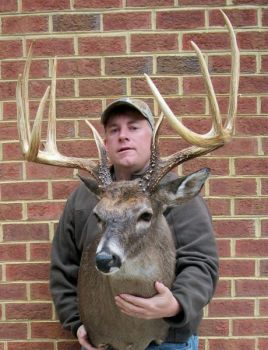 Chad Coley of South Hill, Va., entered a nearly-perfect 5x5 rack into the 2012 Dixie Deer Classic. The deer qualified for the Boone & Crockett all-time record book a net score of 173 4/8 inches.