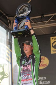 Jonathon VanDam won the Bassmaster Elite Series event on Lake Michigan on July 1. VanDam is the nephew of four-time Bassmaster Classic champion Kevin VanDam.