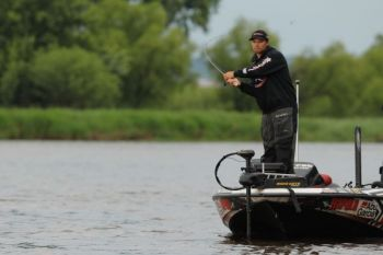 When Bassmaster Elite Series phenom Brandon Palaniuk needs a lure that crashes into cover and provokes reaction strikes, he turns to the Arashi Rattling Square line of lures.