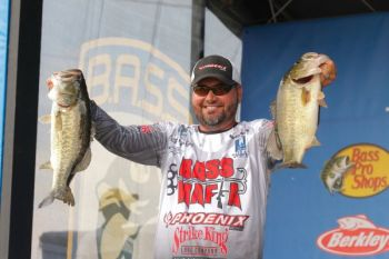 Gonzales pro Greg Hackney placed sixth at the Bassmaster Elite Series stop at Lake Chickamauga using a Rage Blade.