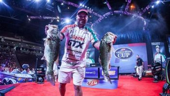 David Dudley of Lynchburg, Va., knocked down a five-fish limit weighing 17 pounds, 14 ounces, to take the FLW Forrest Wood Cup lead on Lake Murray.