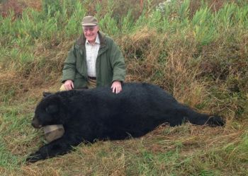 A Richmond, Va., hunter killed a 782-pound black bear in Hyde County on Tuesday, the second-heaviest ever taken in North Carolina.