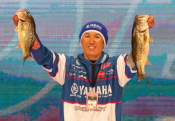 Japanese pro Takahiro Omori, who won the 2004 Bassmaster Classic, leads the tournament entering Sunday's final round on Lake Hartwell.