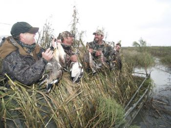 Applications are now being accepted for 2015-2016 permit waterfowl hunts