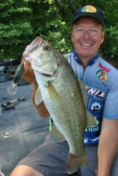 When he's fishing a deep-diving crankbait, Davy Hite prefers a reel with a slow retrieve speed.