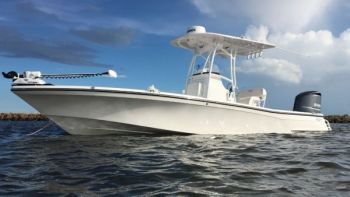 The BlackJack 256 is a good-looking bay boat that can fish like a jumbo-sized flats boat.