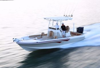The Bay Ranger 2350 combines family friendly features in a serious saltwater-fishing vessel.