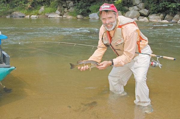 South fork new river smallmouth bass fishing north for Bass fishing north carolina