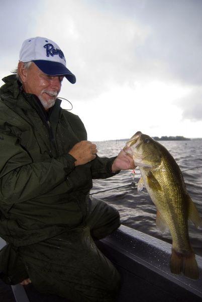 Prepare for the winter plan a bass fishing trip to lake for Lake gaston fishing