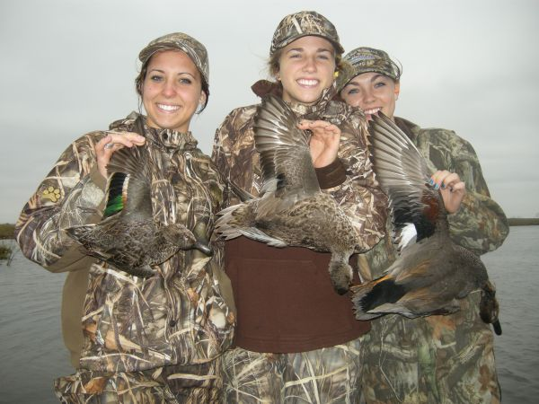 will hold waterfowl-hunting seminars on Dec. 9 and 11 in Raleigh