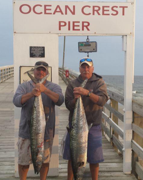 Ocean crest pier anglers catching king mackerel for Ocean crest fishing pier