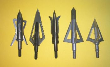 Different broadheads produce different flight patterns because of the sizes and angles of their blades.