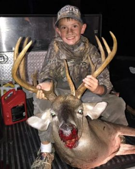 South Carolina's youth hunters will get a free day to hunt before the official beginning of deer season in each of the state's four game zones.